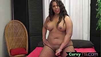 Inked BBW tranny shows off her round booty