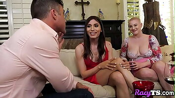 Trans babe middled in erotic sex train threeway