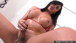 Busty TS Geovanna Oliveira masturbates